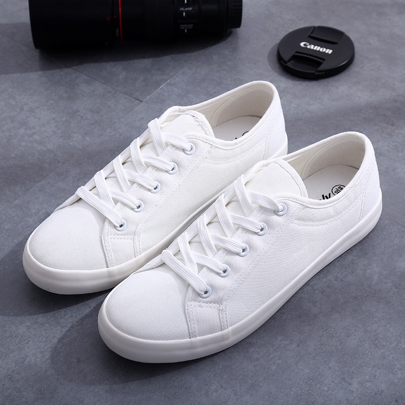 Flat Sneakers Wholesale from China
